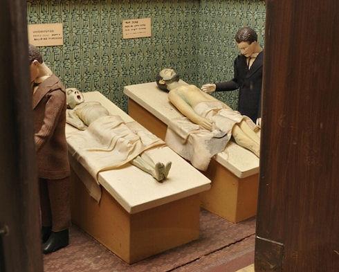 st-dennistoun-mortuary-automaton-1