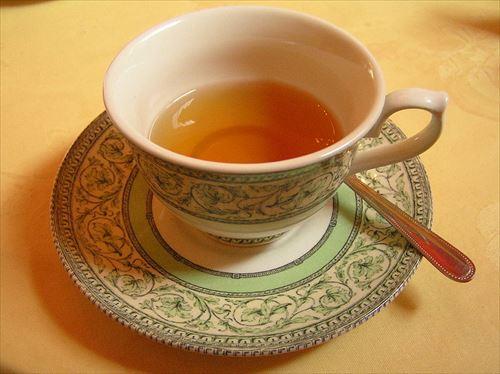 800px-Cup_of_tea,_Scotland_R