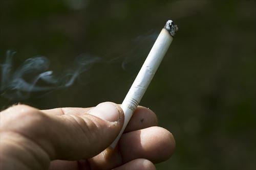 cigarette-3576072_1280_R