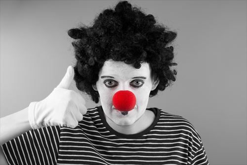 mime-with-red-nose-14634061576Qj_R