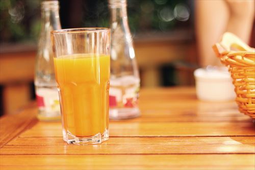 morning-breakfast-orange-juice_R