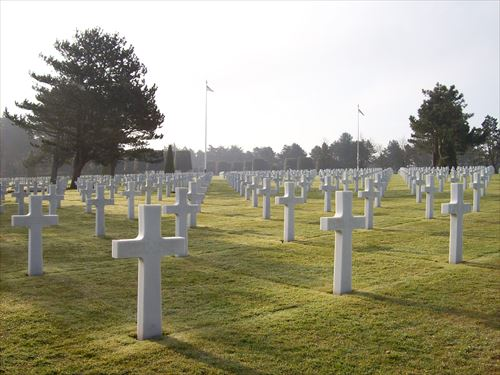 d-day-cemetery-930711_R