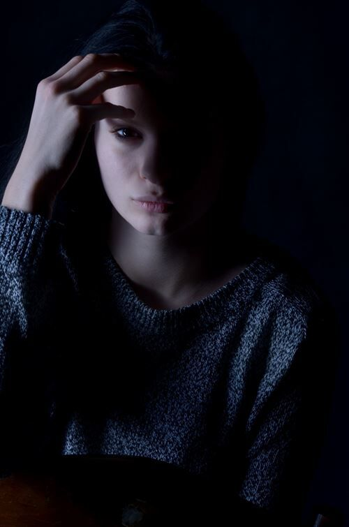 girl_depression_sadness_hair-836629_R