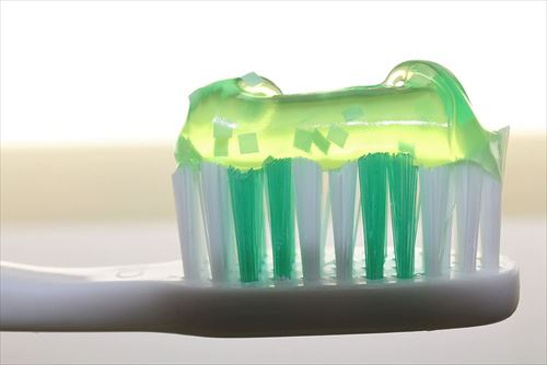toothbrush-toothpaste-dentistry-oral_R