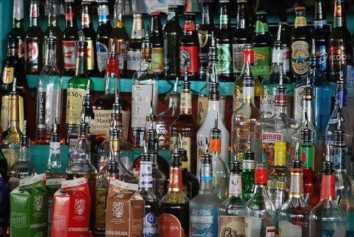 liquor-429428_640_R