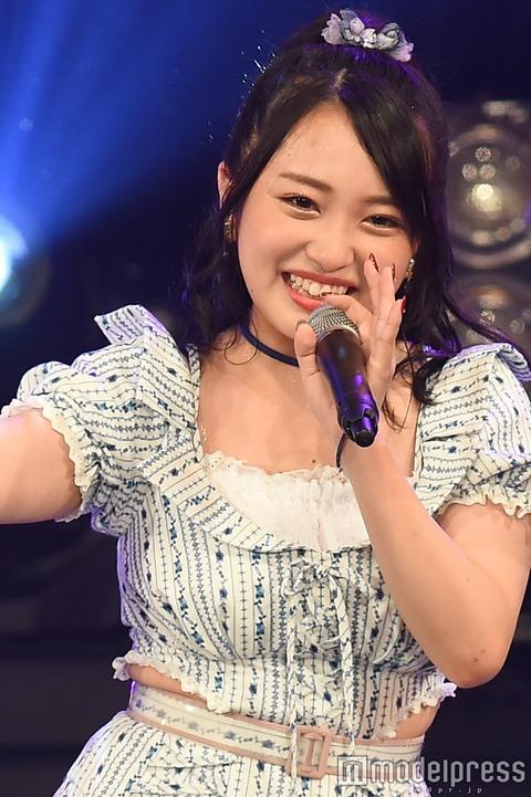 【悲報】みーおんの腹肉がはみ出し過ぎててヤバイ!【AKB48・向井地美音】