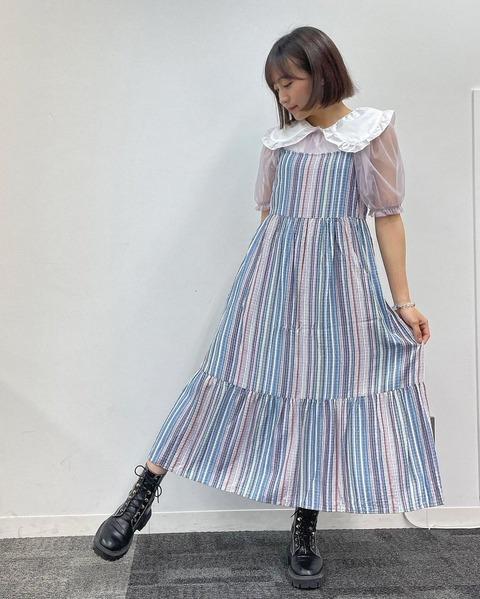 【AKB48】チーム8坂口渚沙さんが壊れた液晶みたいな服着てる