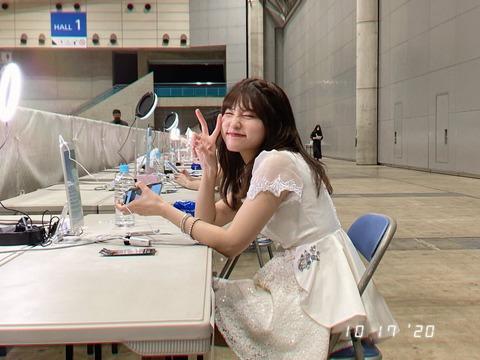 【AKB48】オンラインで高い金払ってまで握手したいって異常じゃね?