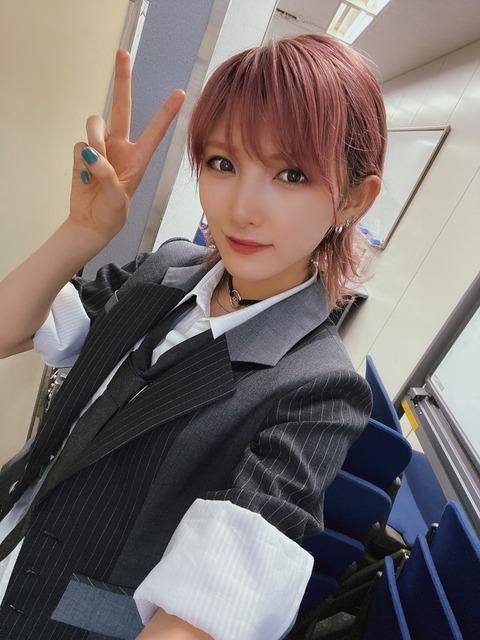【悲報】岡田奈々さん、AKB48のミリオン割れの戦犯に・・・