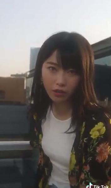 【動画】AKB48横山由依さんが爆乳化!!!