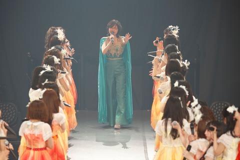 【元SKE48】松井珠理奈さん「卒業コンサートからちょうど半年☺ 幸せだったなぁ❤」