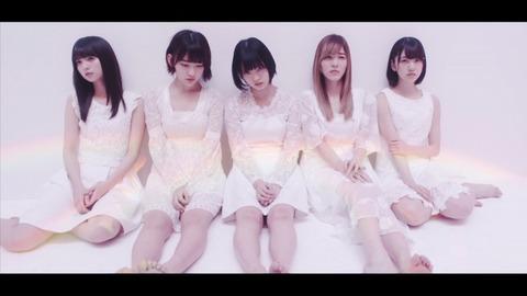 【AKB48】去年の坂道AKBって今思うと曲もMVも衣装も表題曲より良かったよな