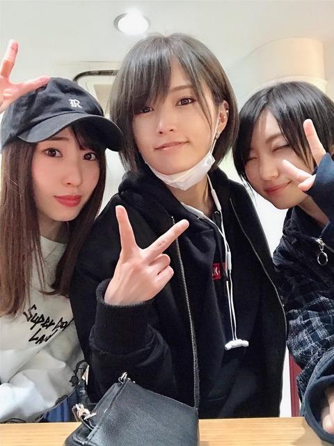 【朗報】さや姉卒業後もさやゆーりのラブラブカップルは続いていた!【山本彩・太田夢莉】