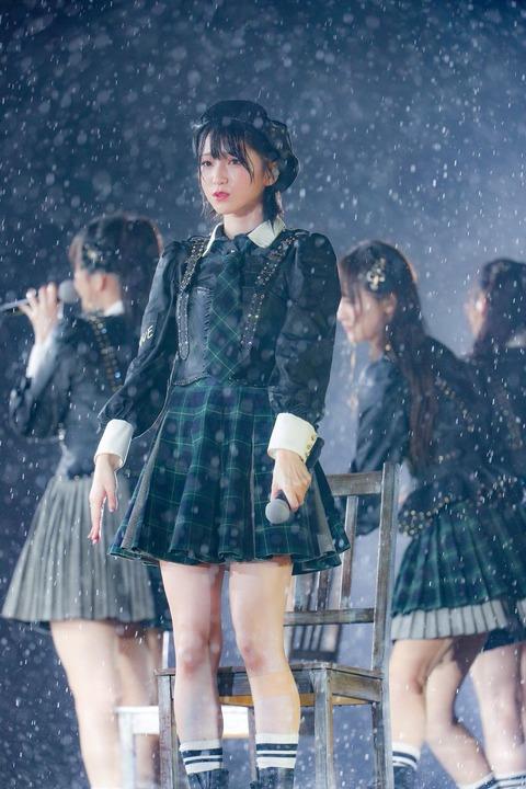 【=LOVE】野外ステージ×雨×しゃぼん玉の写真が神々しすぎると話題に