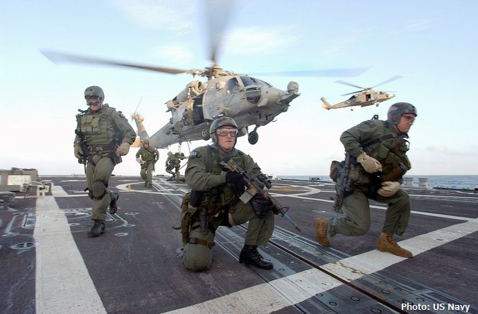 us_navy_seals_fast_rope