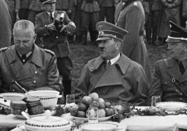 Almuerzo_de_Hitler