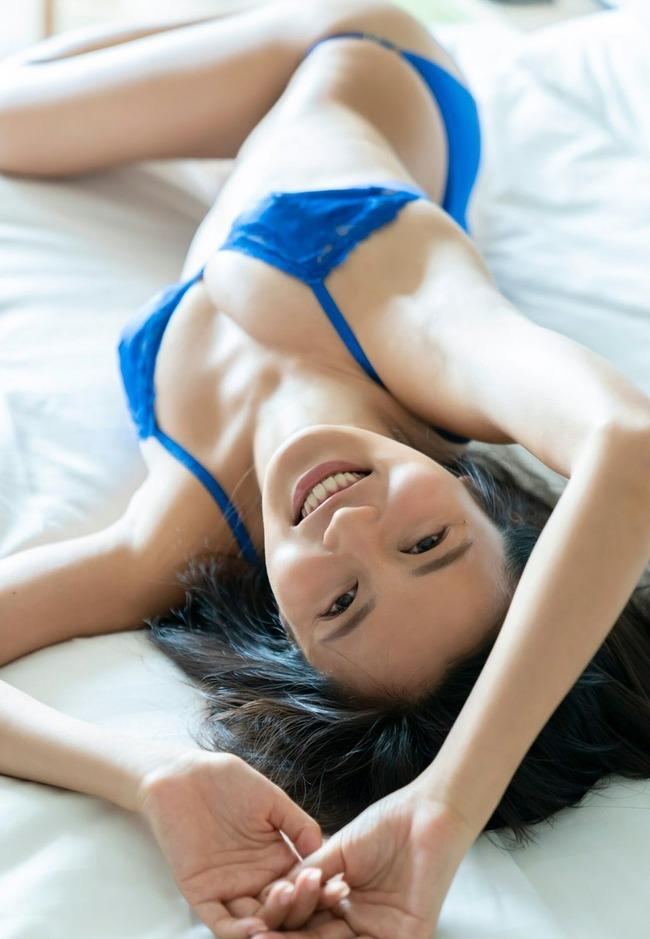 小島瑠璃子 グラビア (29)