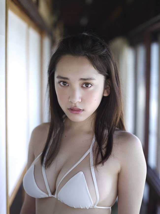 都丸紗也華 グラビア (23)