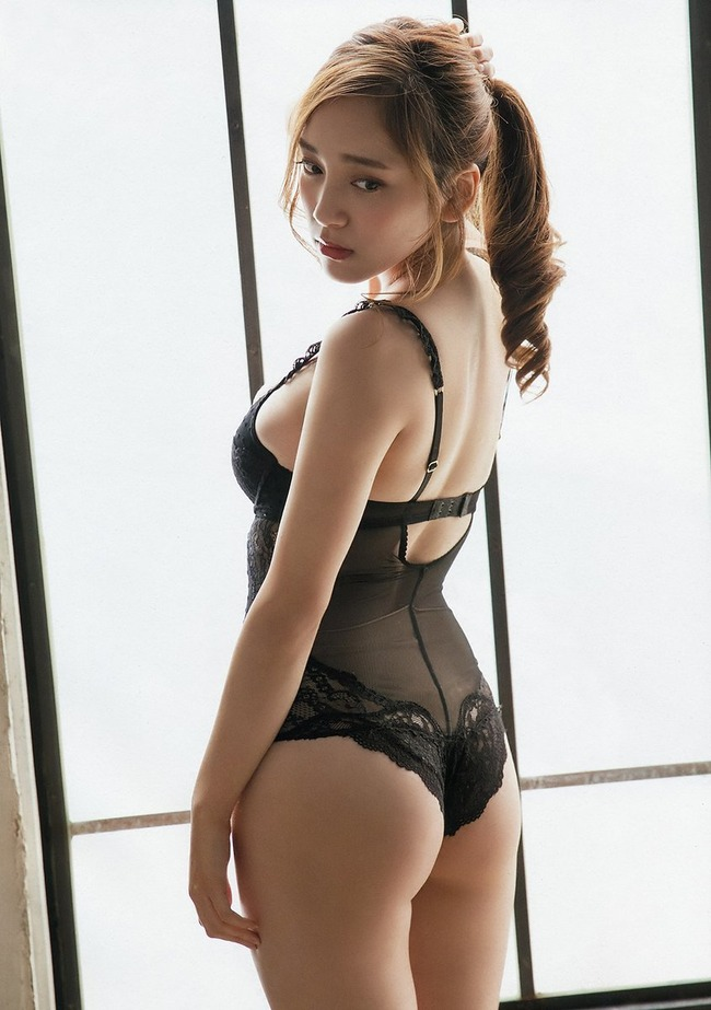 都丸紗也華 グラビア (2)