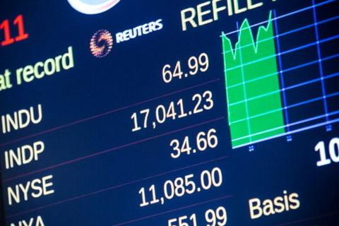 2015年の世界経済について語る