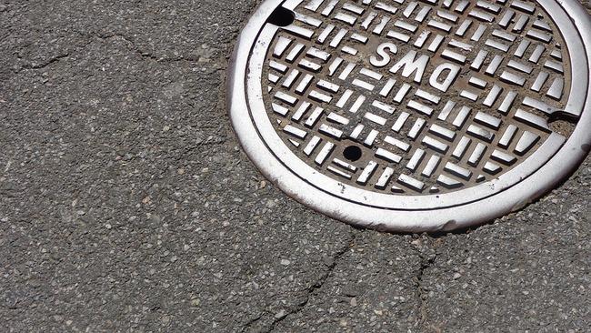 manhole-1200923_960_720