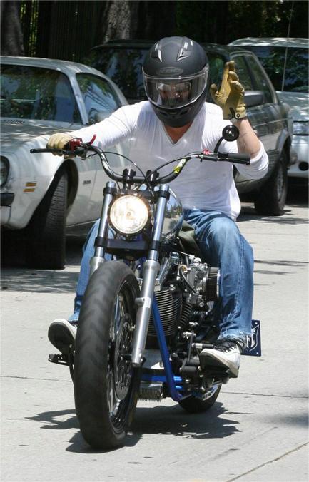 ブラッド・ピット-バイク-1