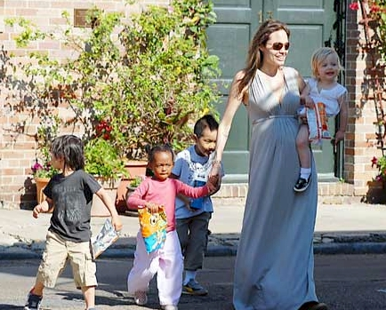 アンジェリーナ・ジョリーと子どもたち