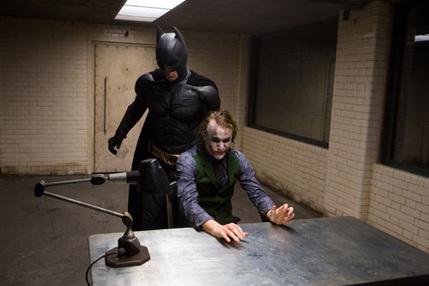 バットマン-ダークナイト-ジョーカー