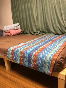 このベッドで。このシーツの上で、やっちゃいました。
