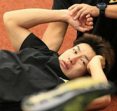 打球が頭部直撃の柳田、診断は打撲「大丈夫です」