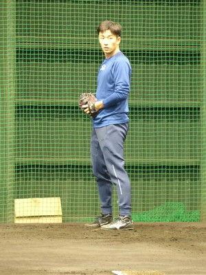 日本ハム斎藤佑樹イブ返上で投げ込み1時間「数を投げないといけない」