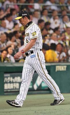 阪神33日ぶり甲子園で屈辱零敗金本監督「どうしても勝ちたかったけど」