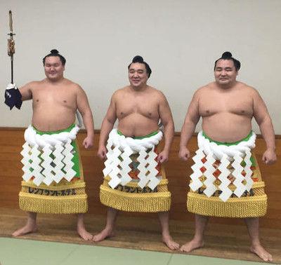 元日馬富士関の断髪式、大野将平、亀田和毅らはさみ