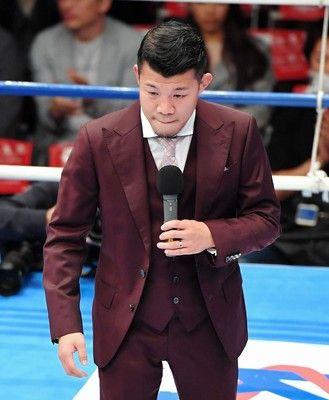 2度目引退の亀田興毅氏がリングであいさつボクシング界への恩返し誓う