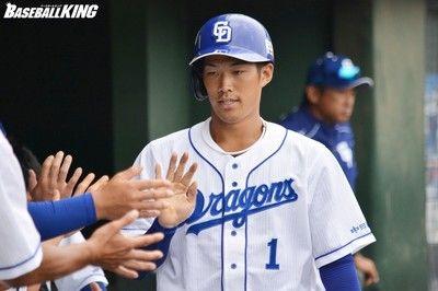 中日・京田、2二塁打&快足で勝利呼ぶ与田監督「一歩目が素晴らしい」