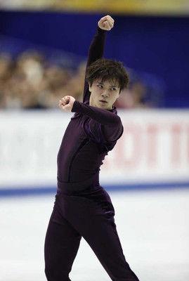 宇野、SP首位発進!転倒も納得「思い切り行った結果」ボロノフが僅差2位NHK杯