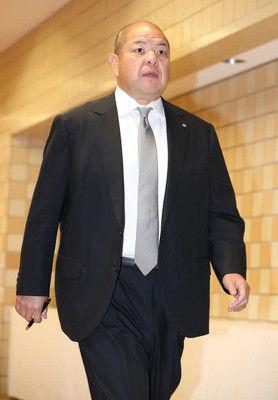千賀ノ浦親方、八角理事長に署名、押印を報告八角理事長は「1日にしゃべる」