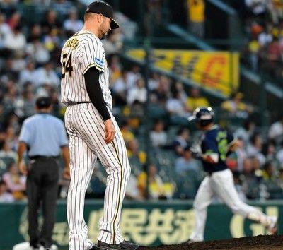 阪神メッセが二回に先制許す早くも4点差…中村の3ラン、青木適時打