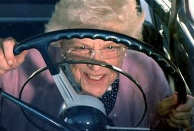 あおり運転 ワイヤ 殴る 83歳 男 逮捕に関連した画像-01