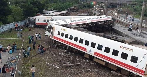 台湾 列車 特急 脱線 日本製に関連した画像-01