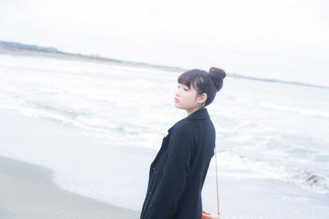 海岸_女性01