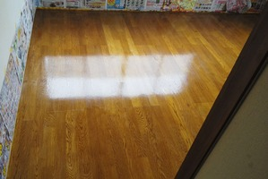 洋室床塗装:戸建て4号