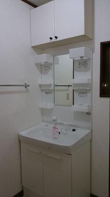 貸家1号:洗面台完成