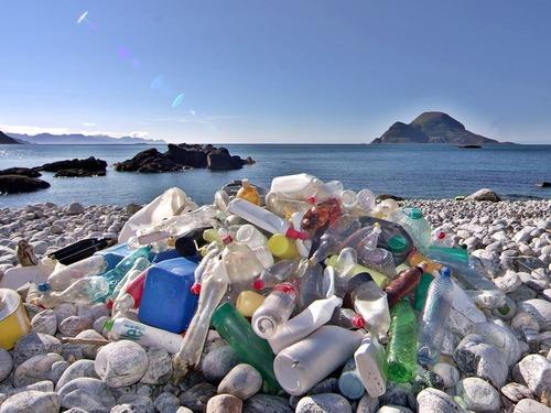 ヨーロッパが使い捨てのプラスチック製品の使用を禁止