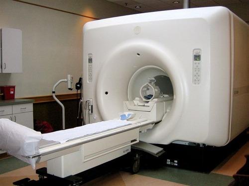 MRIで顔を撮ったら00
