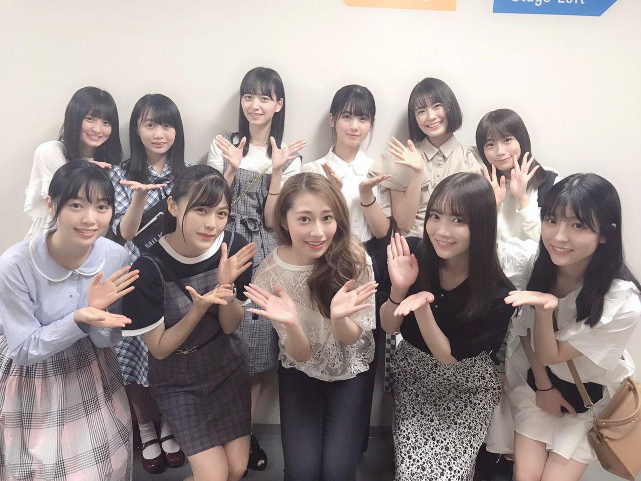乃木坂46】可愛いw 4期生メンバー、桜井玲香舞台を観覧!!ご