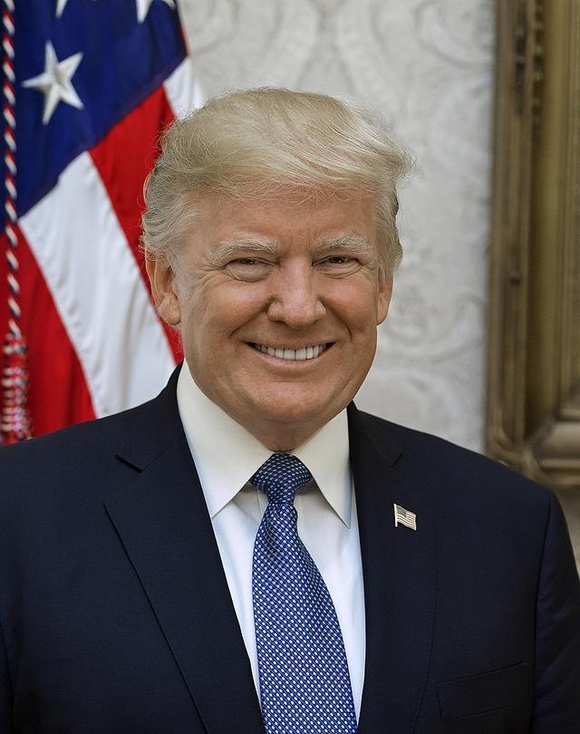 800px-Donald_Trump_official_portrait