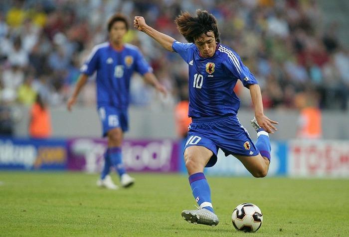 今のサッカー日本代表で中村俊輔のようなFKのキッカー