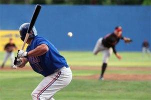投手と打者イメージ