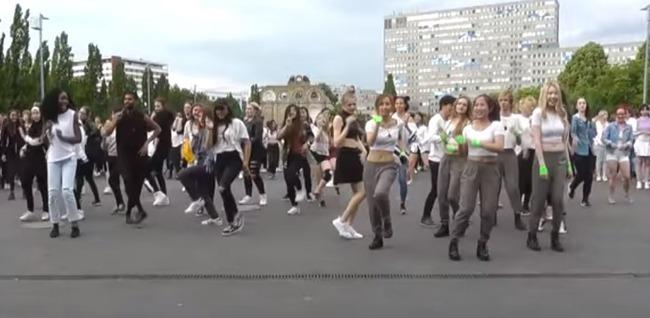Kpopのランダムダンスゲーム